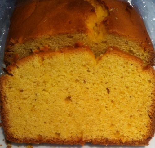 cake,farine de maïs,poudre de vanille,beurre,oeufs,sucre