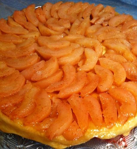 tarte tatin, poires de Finot, caramel au beurre salé, pâte brisée