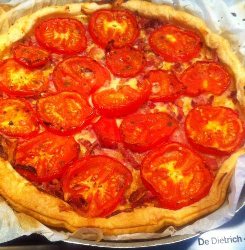 tarte, tomates, emmental, lardons, basilic, curry, moutarde