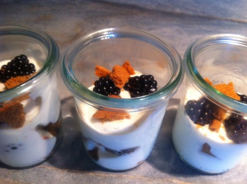 desserts, verrines, mûres, fromage blanc, speculoos
