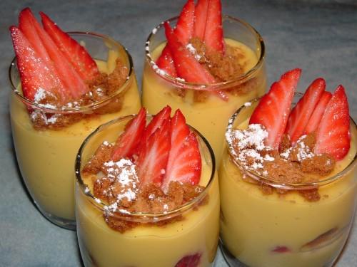 verrines, fraises, crème pâtissière vanille, speculoos