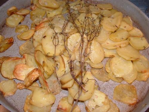pommes de terre, four, sel, gros sel, poivre, thym, huille d'olive