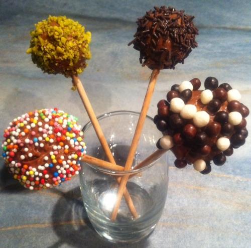 Gâteaux enfant, pop cake, cake pop, biscuit, nature, noisette, gavotte