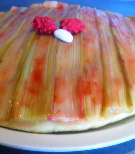 tarte,rhubarbe,fraise,crème pâtissière à la fraise,confiture de fraise