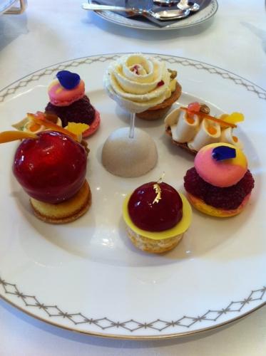 teatime, julien alvarez, goûter, peninsula, lobby