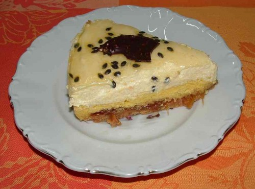 gâteau mousse fruits de la passion 7.jpg
