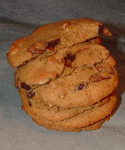 cookies, chocolat lait et noir, amandes entières, noix, vergeoise, paris dans ma cuisine