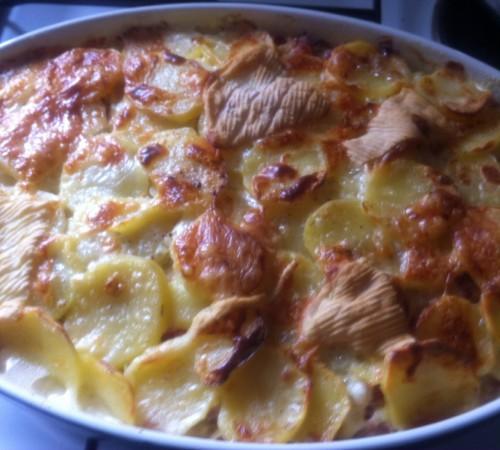 tartiflettes, pommes de terre, lardons, reblochon, fromage à raclette, oignons