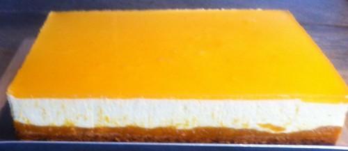 entremets, croustillant sablé, compotée de mangues, mousse mangue et fruits de la passion, miroir mangue fruits de la passion, chocolat blanc ivoire Valrhona