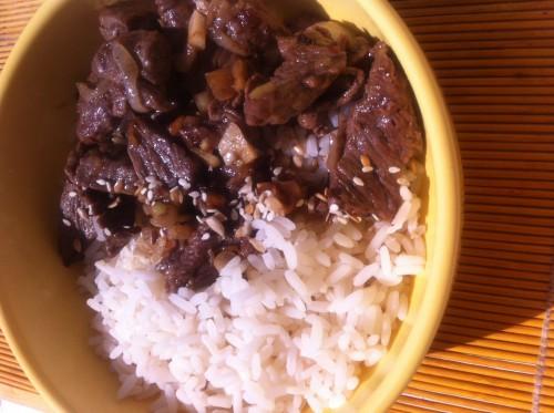 bibimbap, corée, cuisine coréenne, boeuf, riz, gingembre, huile de sésame, sésame